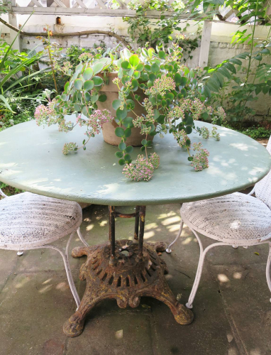 French round iron garden Table circa 1900