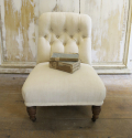 Small Buttoned Chair with original castors - picture 2