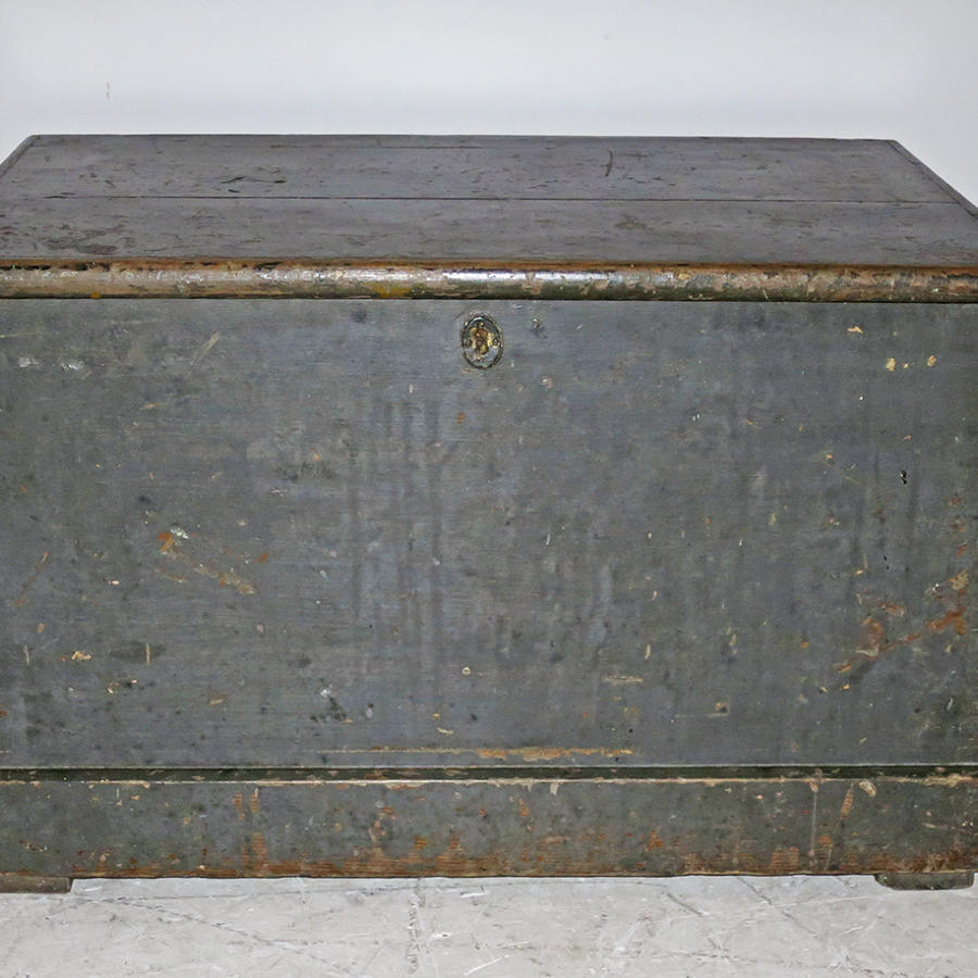 19th c English Painted pine Blanket Box
