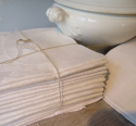 Collection of White Linen Napkins - picture 6
