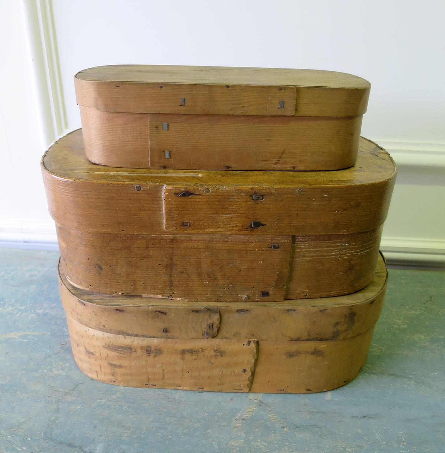 French early 20th c fine wooden oval boxes - circa 1920