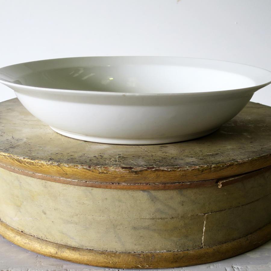 'Porcelaine de Paris' - Plain white Salad Bowl - circa 1920