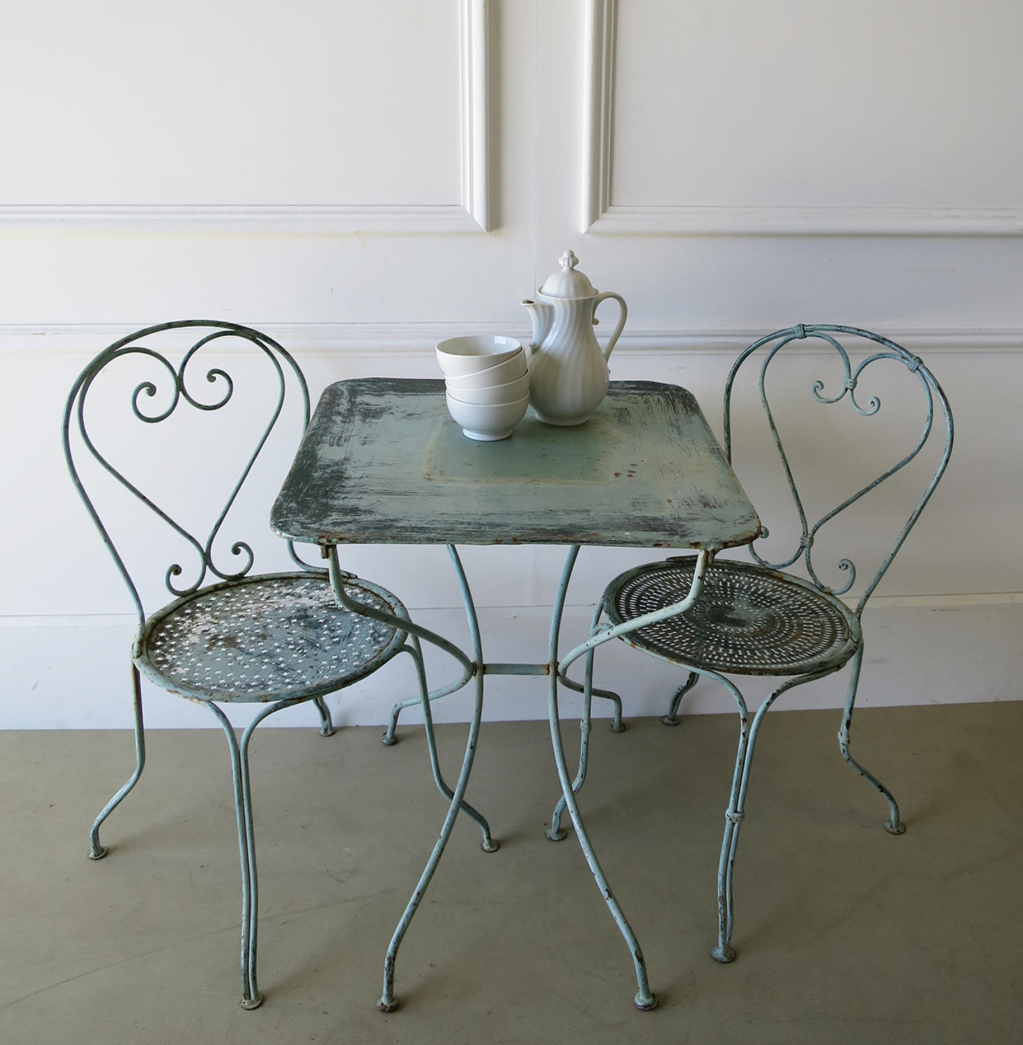 French Iron Cafe table with 2 chairs