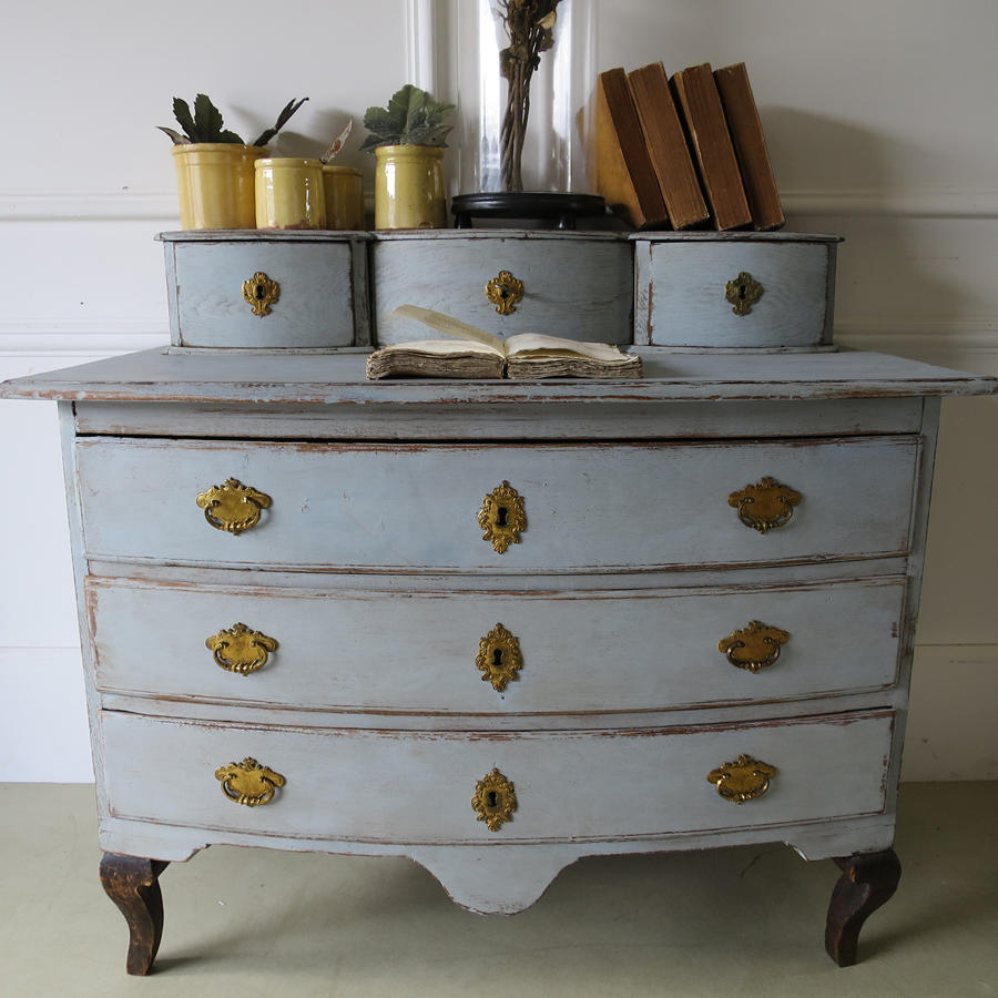 Small 18th century Swedish Chest of Drawer  with small drawers above-