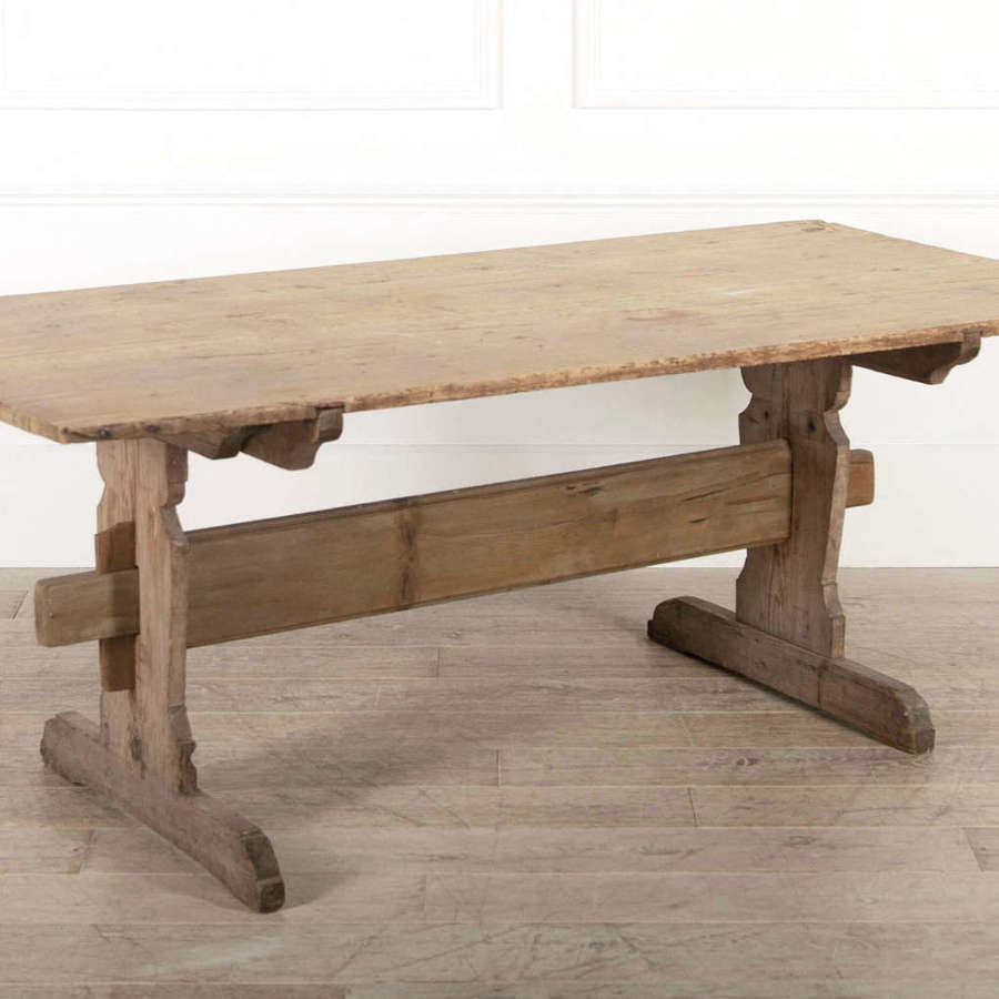 19th century Dining Swedish Pine Table - circa 1850