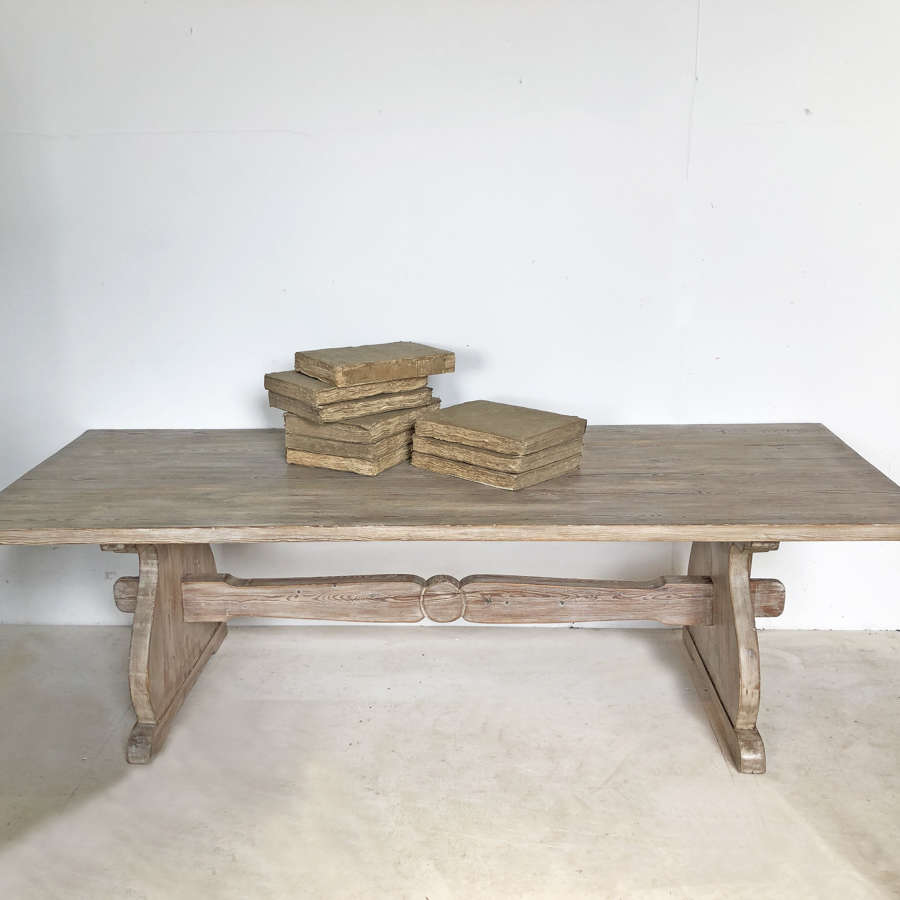 Large 19th c pine Coffee Table - circa 1890