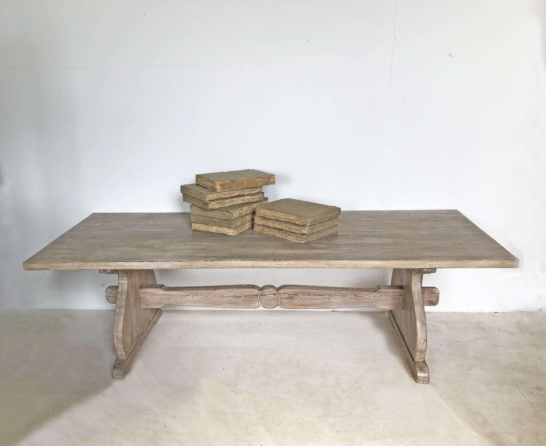 Large 19th c pine Coffee Table - circa 1890
