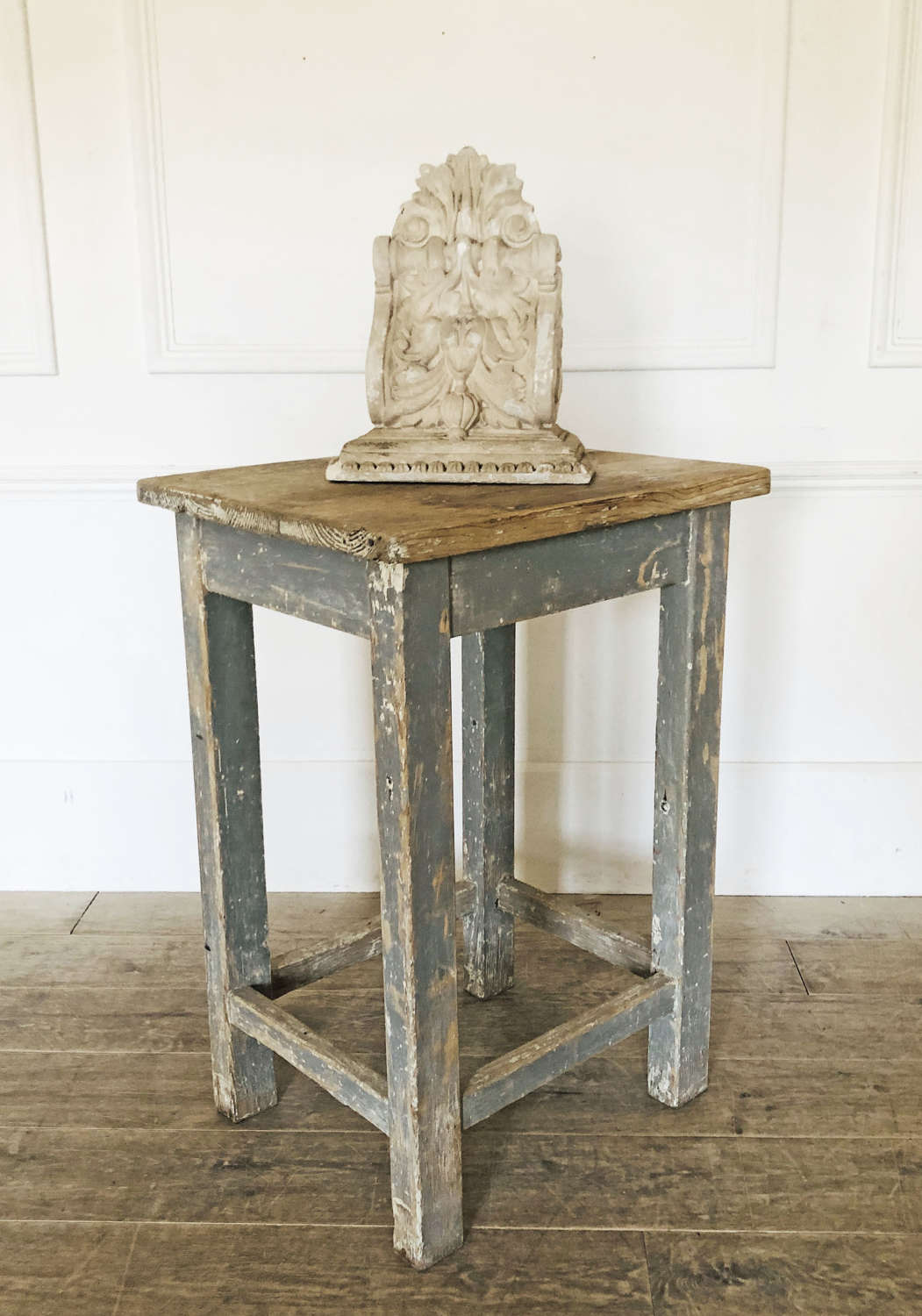 Simple French pine Sculptor's Stand - circa 1890