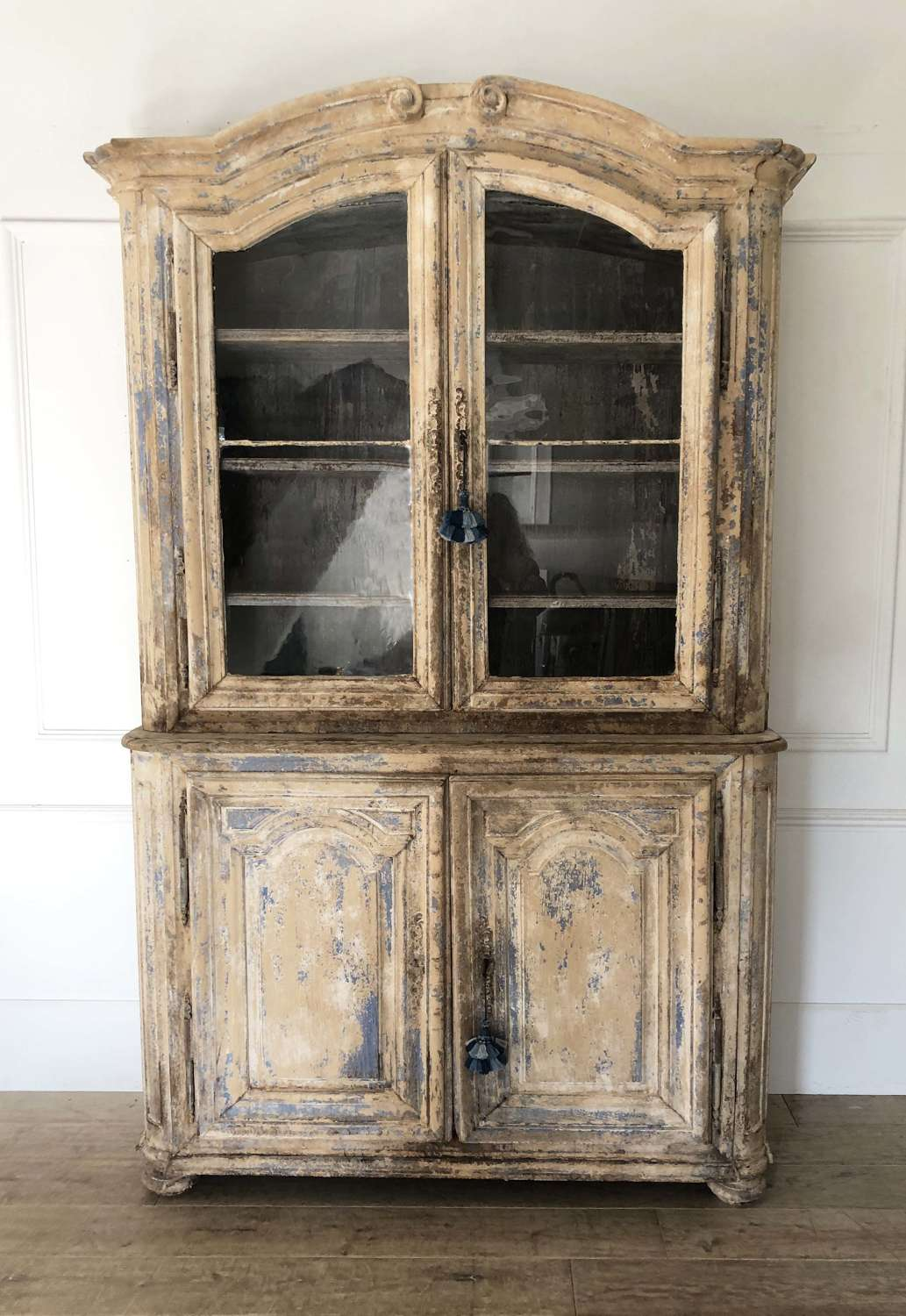 A real charmer - this beautiful French 18th c Deux Corps - c 1750