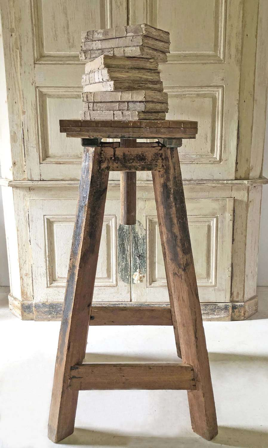 19th century French Tall Sculptor's Stand - Circa 1870